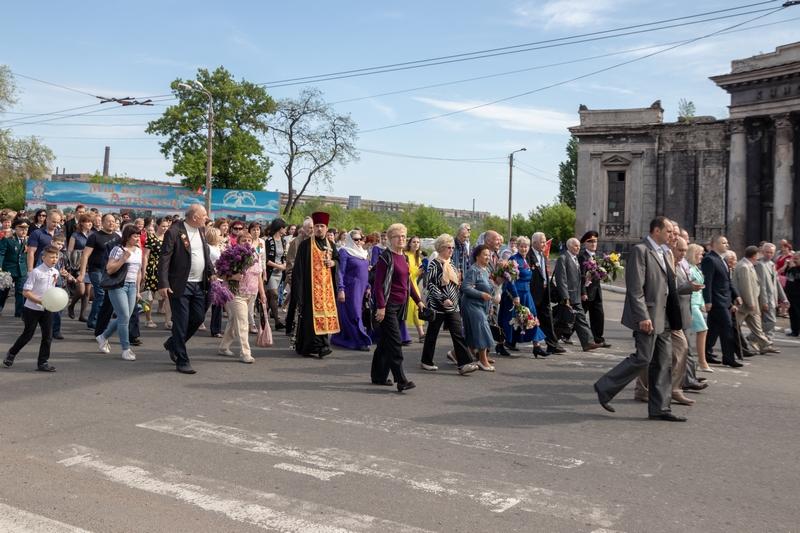 http://alchevskpravoslavniy.ru/photo/prazdnovanie-dnya-pobedy-v-alchevske-2018-god.html